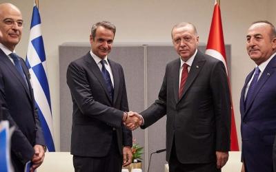 «Ναι» από Μητσοτάκη σε διάλογο με Τουρκία: Μην παίζουμε τις κουμπάρες - Ανοιχτή πρόσκληση από Cavusoglu