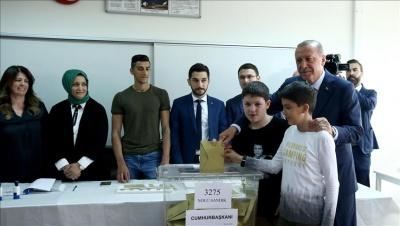 Τουρκία: Ψήφισε ο Erdogan – Μίλησε για υψηλή συμμετοχή στην εκλογική διαδικασία