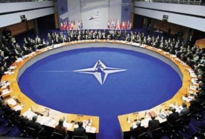 NATO - Αφγανιστάν: Παραμένει στην Καμπούλ για την εύρυθμη λειτουργία του αεροδρομίου