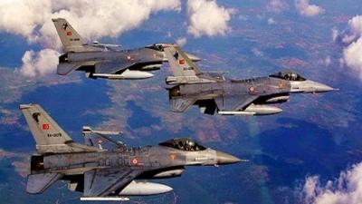 Μπαράζ προκλήσεων: Δεκάδες παραβιάσεις και υπερπτήσεις από τουρκικά F-16