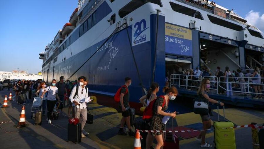 Έξαρση κρουσμάτων στην Ίο - Σπεύδει ο ΕΟΔΥ - Στα 14 τα επιβεβαιωμένα κρούσματα στο πλοίο