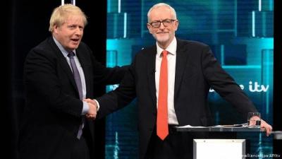 Deutsche Welle: Johnson – Corbyn, αναμετρώνται απόψε στην τελευταία τηλεμαχία για να κερδηθούν οι αναποφάσιστοι