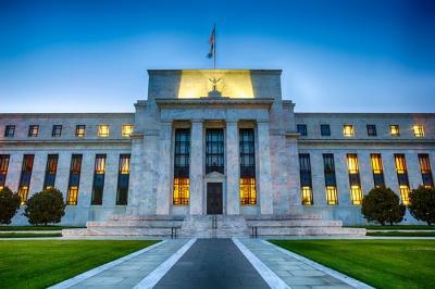 «Beige Book» (Fed): Μέτρια επέκταση της οικονομικής δραστηριότητας στις ΗΠΑ – Αβεβαιότητα στη μεταποίηση