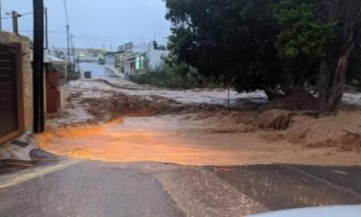 Η κακοκαιρία παρέσυρε τα πάντα στη Χερσόνησο - Πλημμύρισαν σπίτια, χείμαρροι οι δρόμοι