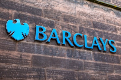 Barclays: Τα χειρότερα δεν τα έχουμε δει ακόμη – Επαναγορές ιδίων μετοχών και οι μικροεπενδυτές στηρίζουν τις αγορές