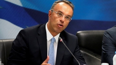 Παράθυρο Σταϊκούρα για μειώσεις φόρων - Δεν αποτελεί επιλογή ένα νέο lockdown