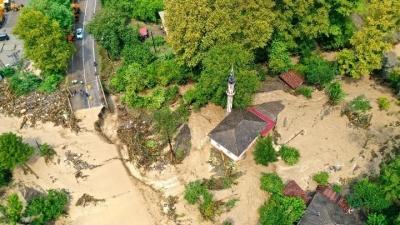 Τουρκία: Τουλάχιστον 44 νεκροί από τις σαρωτικές πλημμύρες στην περιοχή της Μαύρης Θάλασσας