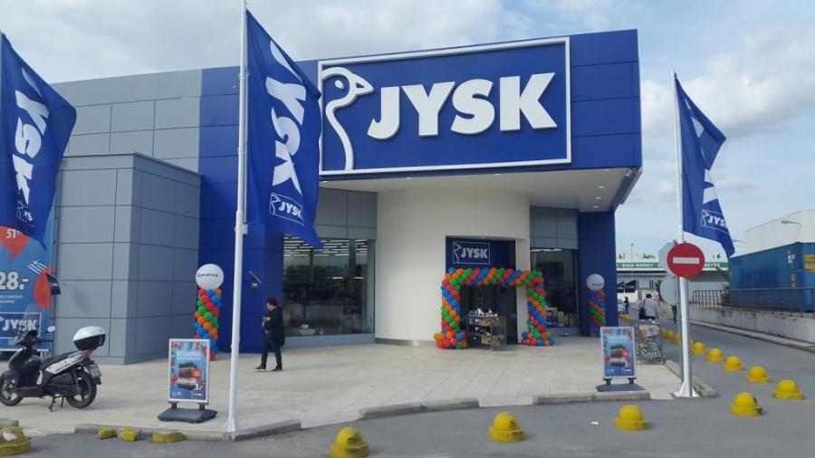 Ανακαινίζει τα καταστήματα στην Ελλάδα η JYSK