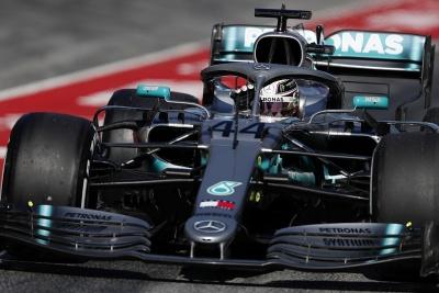 Hamilton και Mercedes σταμάτησαν το θετικό σερί της Ferrari στο ρωσικό Grand Prix