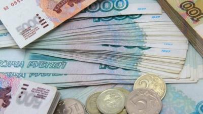 Πτώση για το ρούβλι, έναντι του δολαρίου μετά το αμερικανικό νομοσχέδιο για νέες κυρώσεις κατά της Ρωσίας