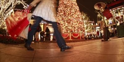 Ανοιχτά τα καταστήματα την Κυριακή 24/12 λόγω εορταστικού ωραρίου