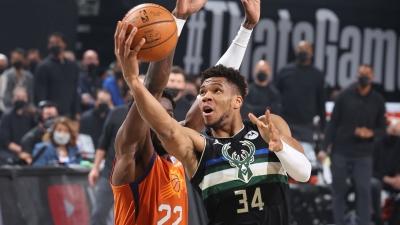 NBA Finals: Το πήρε... σπίτι του ο Αντετοκούνμπο! Πρωταθλητές οι Bucks με 50 πόντους του Greek Freak