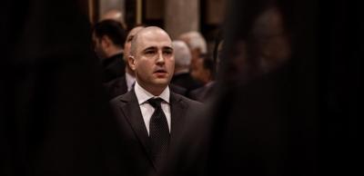 Σάλος με Μπογδάνο - Να διαγραφεί ζητά ο ΣΥΡΙΖΑ - Είναι κατ' επάγγελμα και κατά συρροή χαφιές λέει το ΚΚΕ