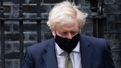 Βρετανία: Υπό πίεση η κυβέρνηση Johnson για την απόφαση να ανοίξει τα σχολεία στις 4/1