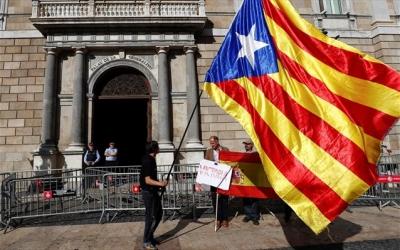 Καταλονία: Άνοιξαν οι κάλπες για τις τοπικές εκλογές - Βαρόμετρο τα αυτονομιστικά κόμματα