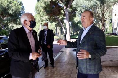 Οι ευρωτουρκικές σχέσεις στο επίκεντρο της συνάντησης Cavusoglu - Borrell