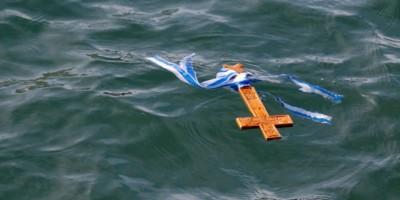 Ουρές πιστών στον Άγιο Δημήτριο για τον αγιασμό