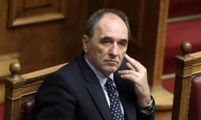 Σταθάκης: Υπό εξέταση τρεις προτάσεις για τον τρόπο ιδιωτικοποίησης των Ελληνικών Πετρελαίων