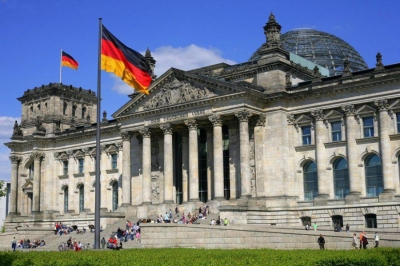 Γερμανία: Η μεγαλύτερη οικονομία της ΕΕ οδηγείται σε κυβερνητική αλλαγή στις εκλογές 26/9 - Κατάρρευση CDU, νίκη SPD