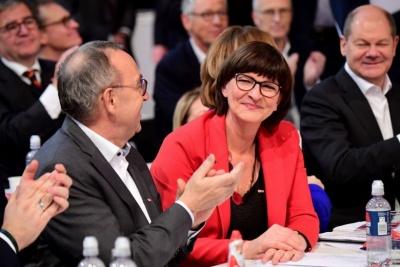 Γερμανία: Τριγμοί στον Μεγάλο Συνασπισμό - SPD: Να φορολογηθεί η μεγάλη περιουσία
