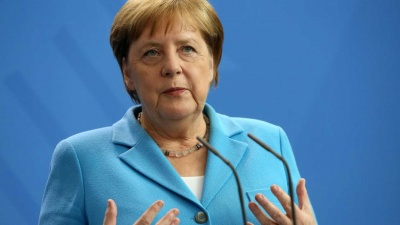 Merkel: Θα σεβαστούμε την απόφαση του Συνταγματικού Δικαστηρίου για την ΕΚΤ