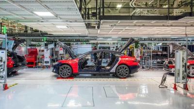 Παγώνει η κυριαρχία της Tesla στην Ευρώπη;