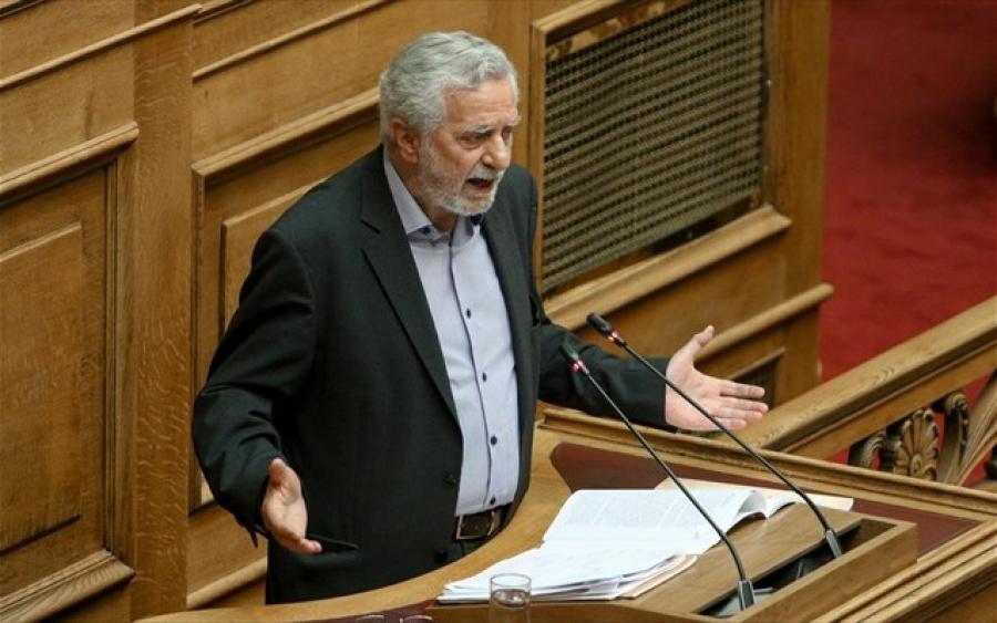 Αναδιπλώνεται ο κ. Δρίτσας (ΣΥΡΙΖΑ): Διευκρινίζει πως αναφερόταν στη δημοκρατία, τους πολίτες, τις αξίες