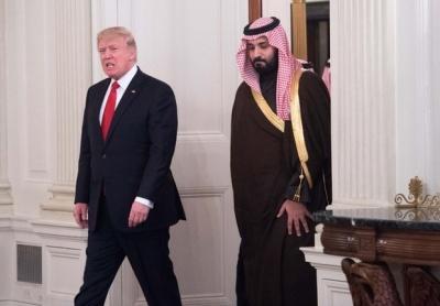 MEE: Ο Trump «ζήτησε» 450 δισ. δολάρια για να «σώσει» τον Σαουδάραβα πρίγκιπα