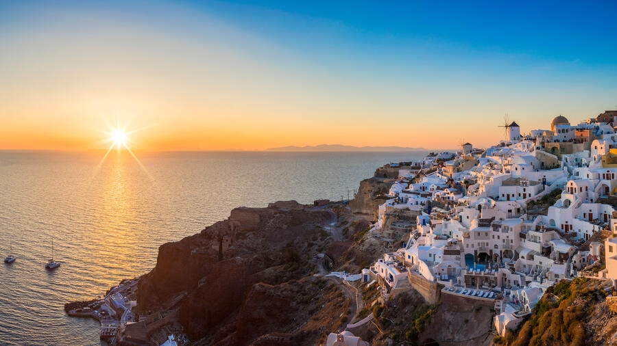 Handelsblatt: Να διαδοθεί στη Μεσόγειο το «μοντέλο» των ελληνικών Covid-free νησιών