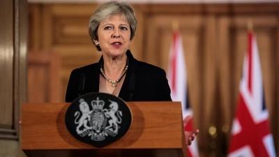 Βρετανία: Υπέρ της μείωσης των πανεπιστημιακών διδάκτρων η Theresa May