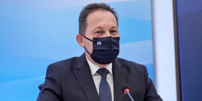 Επίθεση Πέτσα στον Τσίπρα: Aυτογελοιοποιείται και υπονομεύει τον κοινό αγώνα απέναντι στον κορωνοϊό