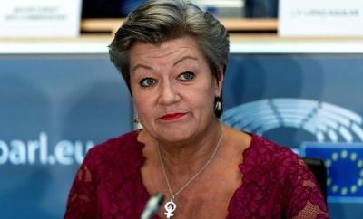 Johansson: Η Κομισιόν εργάζεται για μια νέα συμφωνία μετανάστευσης και ασύλου
