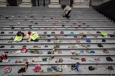 Μακάβρια ανακάλυψη στον Καναδά: Βρέθηκε ομαδικός τάφος 215 παιδιών, ακόμη και 3 ετών