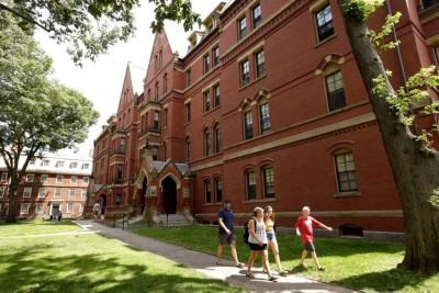 ΗΠΑ: «Βαλίτσες» ετοιμάζουν οι ξένοι φοιτητές των οποίων τα μαθήματα γίνονται διαδικτυακά