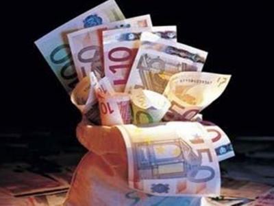 Μικρές αυξήσεις, μεγάλα δάνεια και το …μαρτύριο συνεχίζεται – Ή το χέρι βαθιά στην τσέπη ή τα προβλήματα παραμένουν