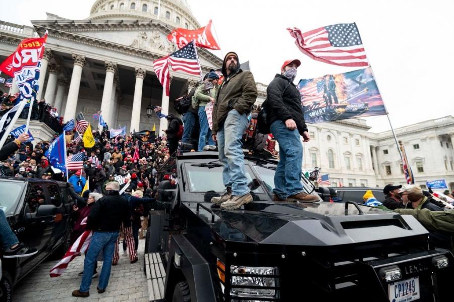 CNN: Χιλιάδες ένοπλοι εξτρεμιστές σχεδιάζουν να πολιορκήσουν το Καπιτώλιο πριν την ορκωμοσία Biden