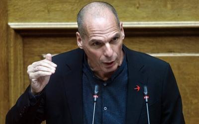 Βαρουφάκης: Φιάσκο η διαχείριση της πανδημίας από την κυβέρνηση