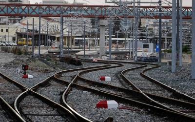 Σύγκρουση τρένων στο Ρέντη - Καθυστερήσεις στον προαστιακό