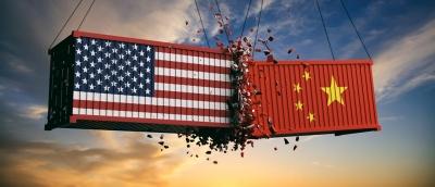 Η Κίνα διογκώνει το εμπορικό πλεόνασμά της με τις ΗΠΑ