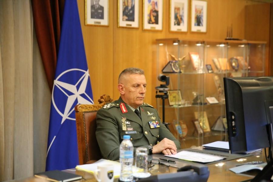 Στις Βρυξέλλες ο αρχηγός ΓΕΕΘΑ για τις στρατιωτικές επιτροπές ΝΑΤΟ – ΕΕ