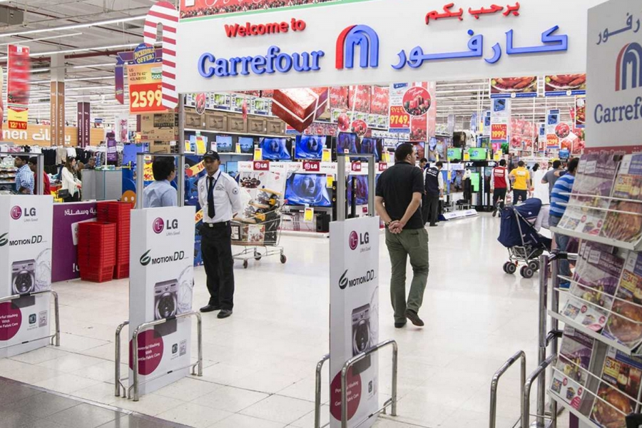 Couche-Tard: Θέλει νέα ευκαιρία για να ολοκληρώσει το deal των 20 δισ. δολ. με τη Carrefour