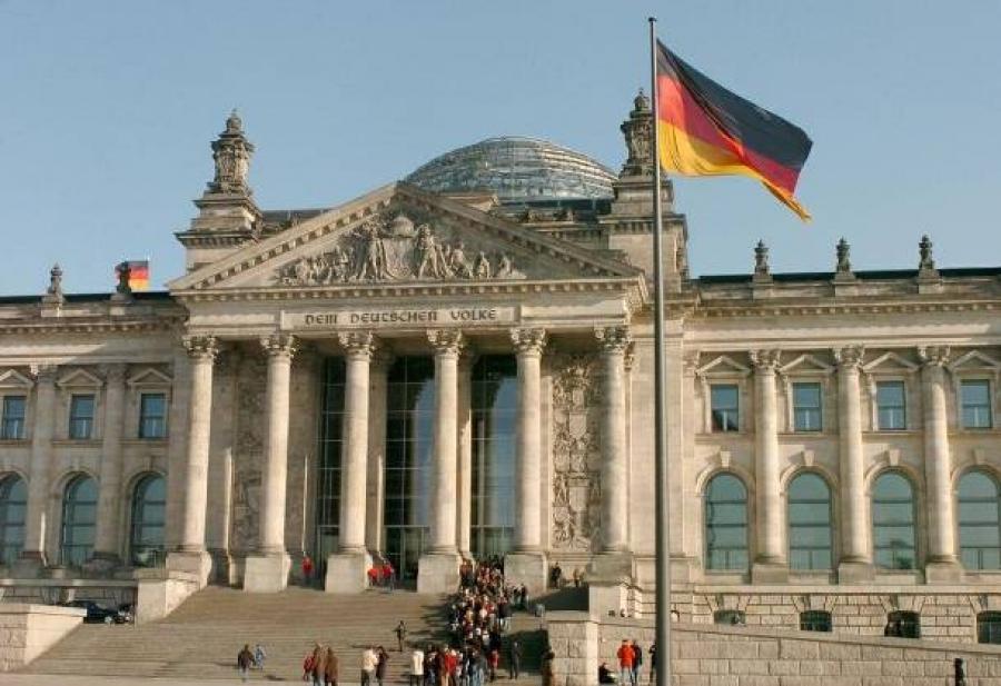 Το 40% των Γερμανών δεν έχει αποφασίσει ποιον θα ψηφίσει για καγκελάριο