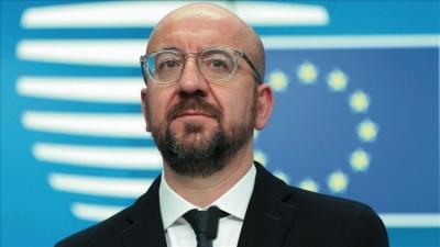 Michel (EE): Χρήση όλων των νομικών μέσων για τα εμβόλια
