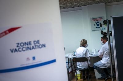 Γαλλία - Covid: Πάνω από 30 εκατ. έχουν κάνει τουλάχιστον μια δόση εμβολίου
