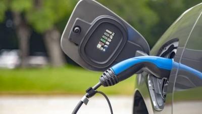 ΗΠΑ – Λευκός Οίκος: Στόχος τα ηλεκτροκίνητα οχήματα να εκπροσωπούν το 40% των πωλήσεων έως το 2030