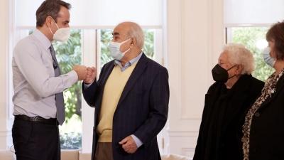 Μητσοτάκης: Πρέπει να πείσουμε τους πιο ηλικιωμένους να κάνουν το εμβόλιο