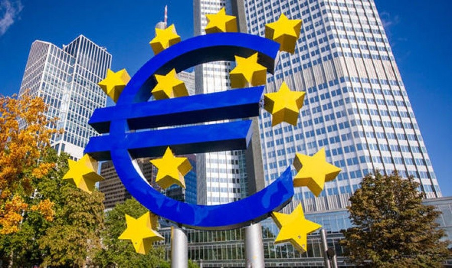 Διχασμένη η Ευρωπαϊκή Κεντρική Τράπεζα για την πολιτική που πρέπει να ακολουθήσει