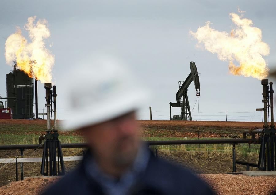Πετρέλαιο: Ήπια πτώση -0,03%, στα 74,48 δολ., για το brent  - Απώλειες -0.4%, στα 71,65 δολ., για το WTI υπό το φόβο νέου πλήγματος στη ζήτηση
