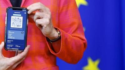 Περισσότερα προνόμια για τους εμβολιασμένους με «τη βούλα», ανακοίνωσε το ιταλικό υπουργείο Υγείας