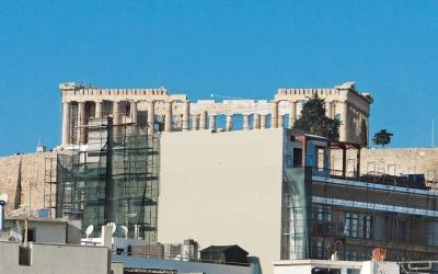 Απόφαση Σταθάκη για αναστολή των οικοδομικών αδειών στην Ακρόπολη μετά τον σάλο